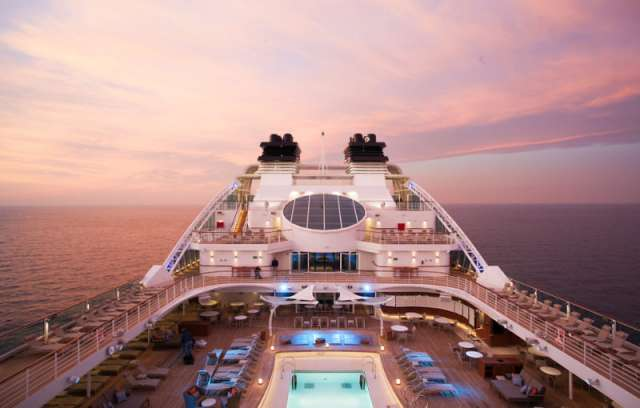 Schwimmbad Deck Seabourn Encore Deluxe